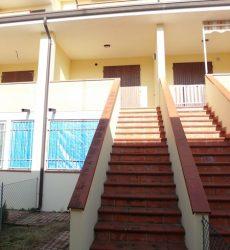 Villette di nuova costruzione sviluppate in verticale al piano primo e secondo a Porto Garibaldi