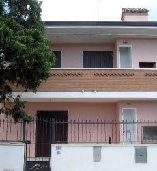 Proponiamo in vendita bellissima Villetta al piano terra a Lido di Pomposa