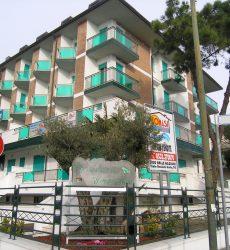 Vendiamo appartamento trilocale al piano terzo a  Lido Delle Nazioni