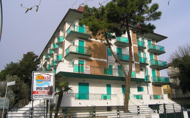 Proponiamo appartamento quadrilocale al primo piano a Lido delle Nazioni