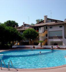 Appartamento al piano terra in residence con piscina a Lido di Spina In vendita